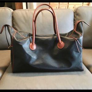 Luxurious Bottega Veneta saffiano leather duffle!